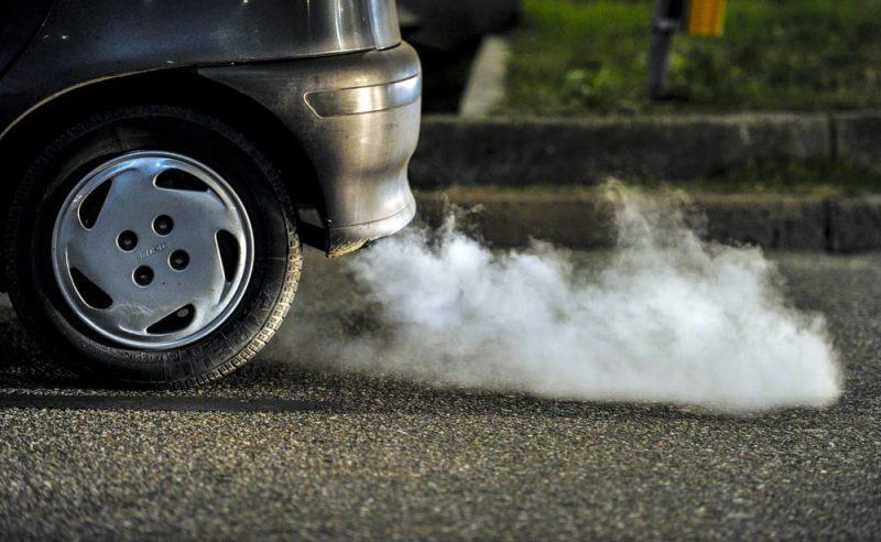 auto contaminación gases