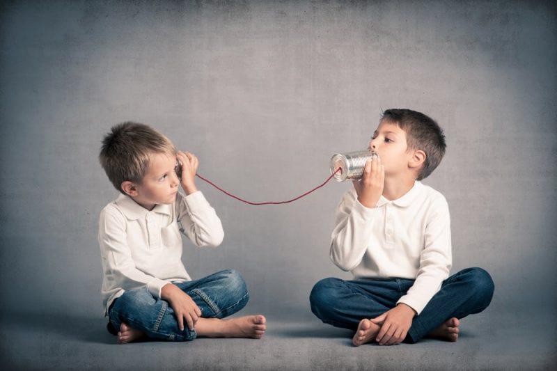chicos - comunicacion con latas
