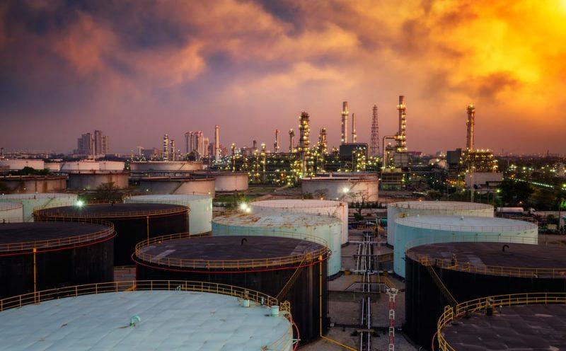 destilacion en refineria de petroleo