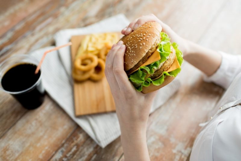 hamburguesas tienen grasas trans