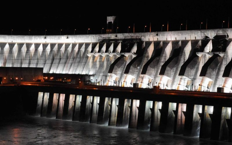 itaipu - central de energia hidroelectrica