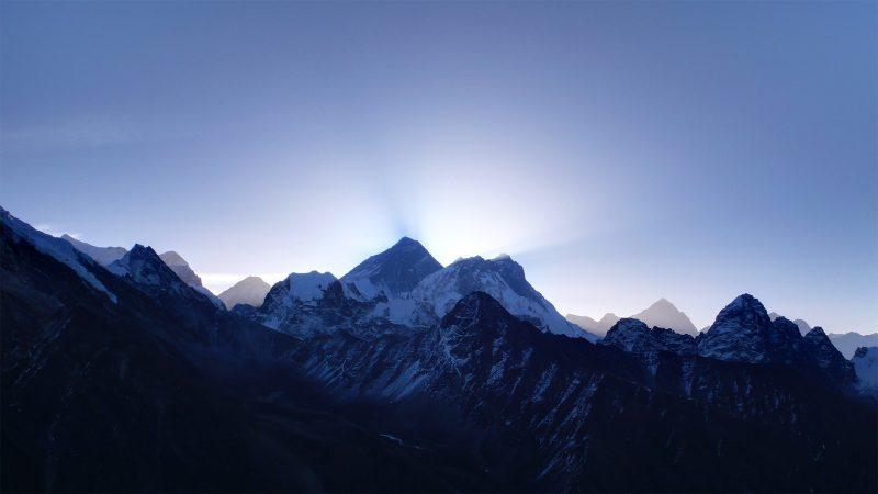 monte everest - ejemplos de montañas