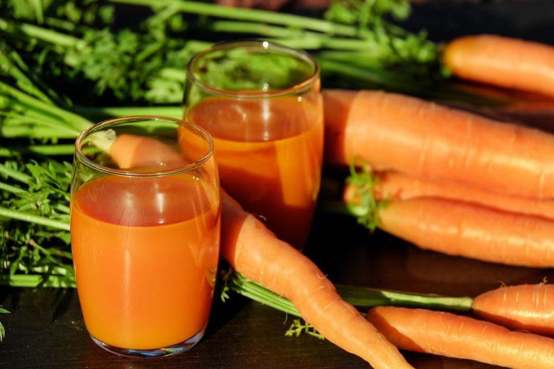 jugo de zanahorias - aminoácidos